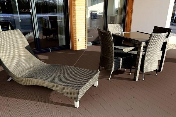 WPC Terrassendiele Compact Plus | Mahagoni